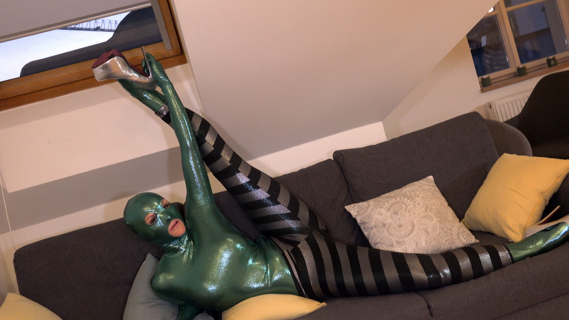 Flexi zentaidoll undressing